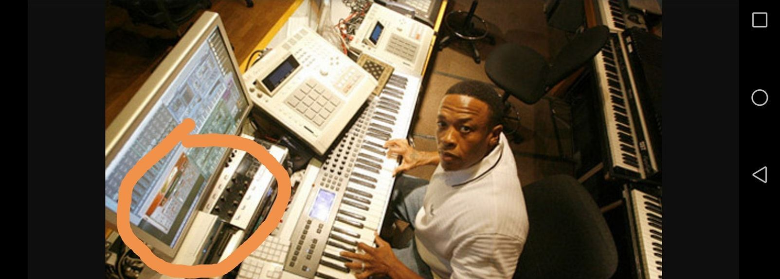 Dr. Dre using Spectrasonics Trilogy Total Bass Module Software Synthesizer