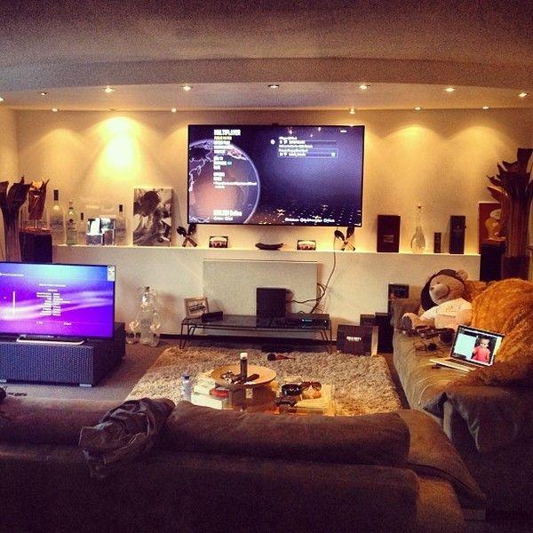 Afrojack using Sony PlayStation 3