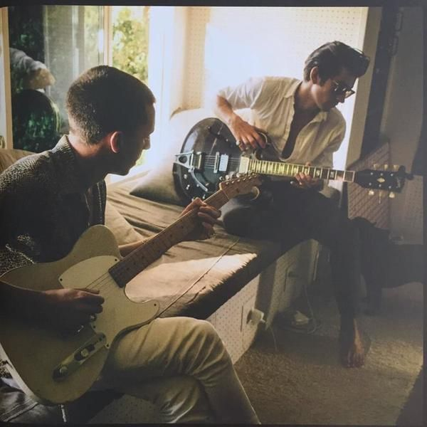 Alex Turner using Gibson ES-335 TDW