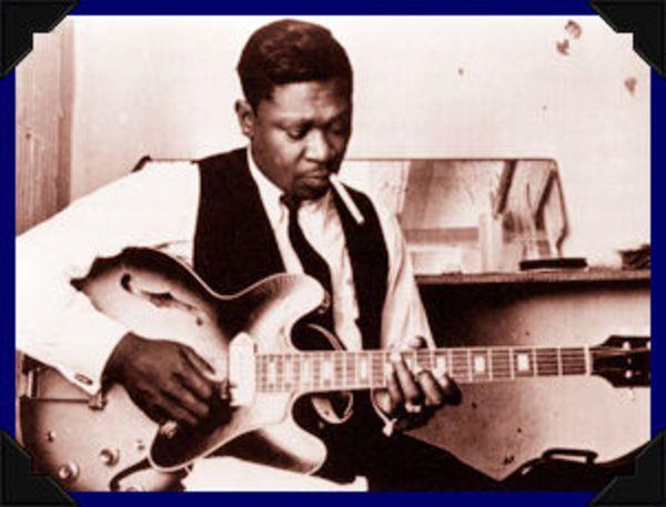 B.B. King using Gibson ES-330
