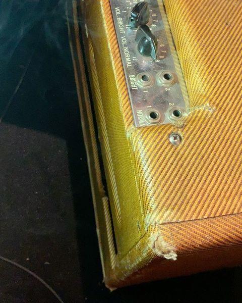Billie Joe Armstrong using Fender Bassman