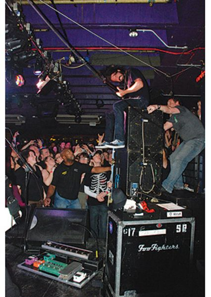 Dave Grohl using Ernie Ball VP JR. Passive Volume Pedal
