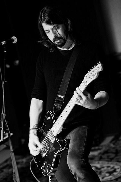 Dave Grohl using Fender Classic Series '72 Telecaster Custom Electric Guitar