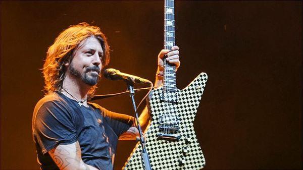 "Dave Grohl using ""Hamer Standard ""Checkerboard"" Guitar"""