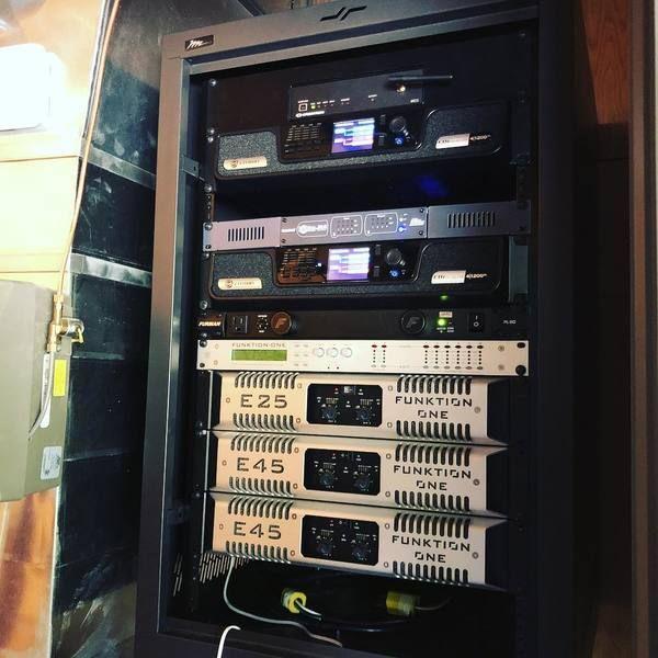 Deadmau5 using Funktion One E25 Two Channel Amplifier