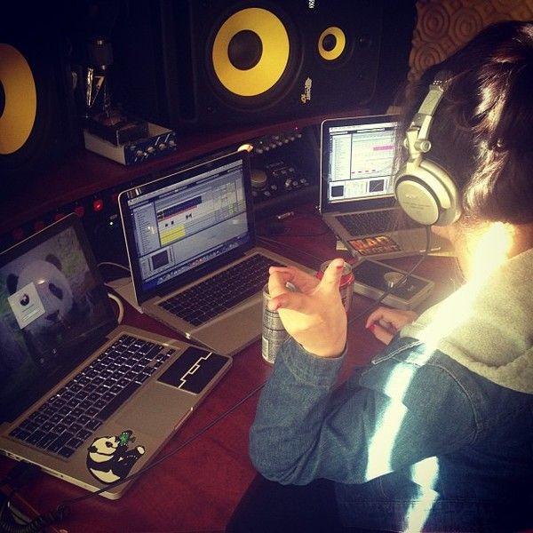 Deorro using Sony MDR-V700 DJ Headphones