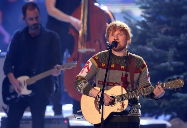 Ed Sheeran using Custom Lowden WL-35 (Divide Edition)