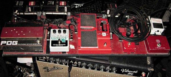 Jack White using Electro-Harmonix Big Muff Pi with Tone Wicker