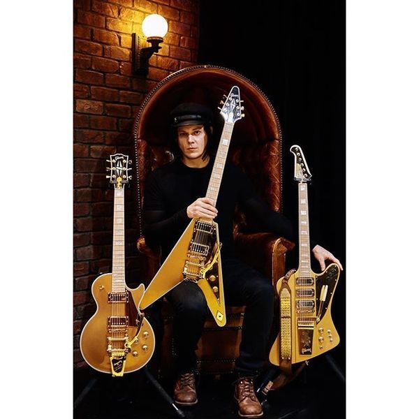 Jack White using Gibson Les Paul Custom w/ Bigsby Electric Guitar