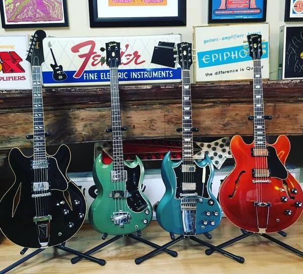 Joe Bonamassa using Gibson SG Standard Electric Guitar