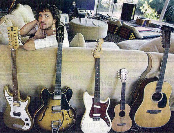John Frusciante using Gibson ES-335 Electric Guitar