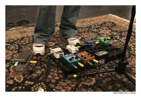 John Mayer using MXR M-108 Ten Band Graphic Equalizer Pedal