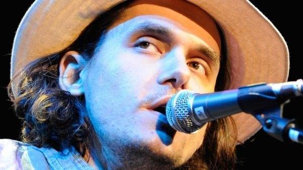 John Mayer using Shure SM58