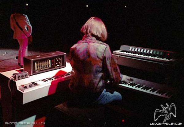 John Paul Jones using Mellotron M400