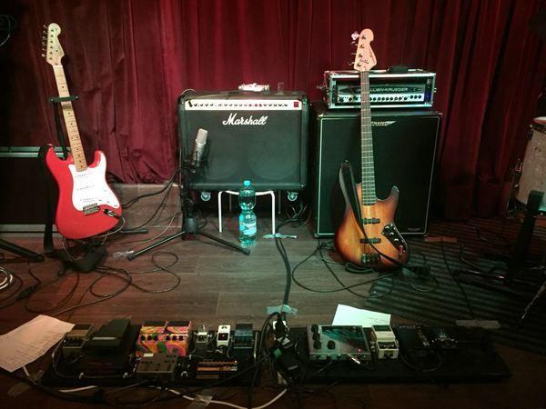 "Julian Wolf using ""Marshall Valvestate S80 8240 Stereo Chorus 2x12"" 80-Watt Combo Amplifier"""