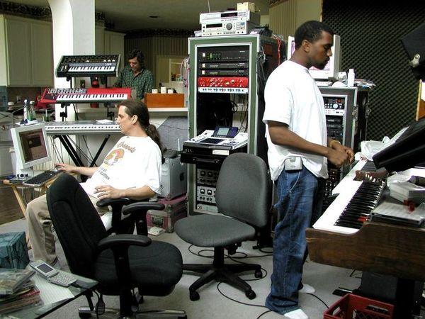 Kanye West using Akai Professional MPC4000