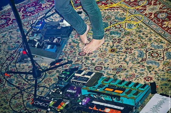 Kevin Parker using Electro-Harmonix Holy Grail Nano Reverb Guitar Effects Pedal