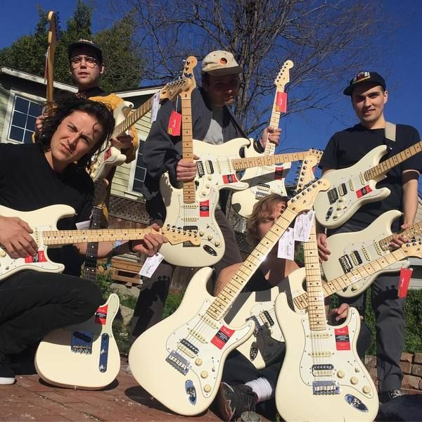 Mac DeMarco using Fender American Professional Stratocaster HSS Shawbucker