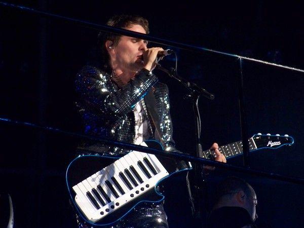 Matthew Bellamy using Manson Keytar