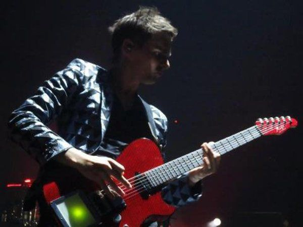 Matthew Bellamy using Manson Red Carbon