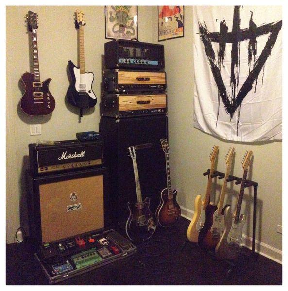 Mike Hranica using Gibson Les Paul Custom Electric Guitar