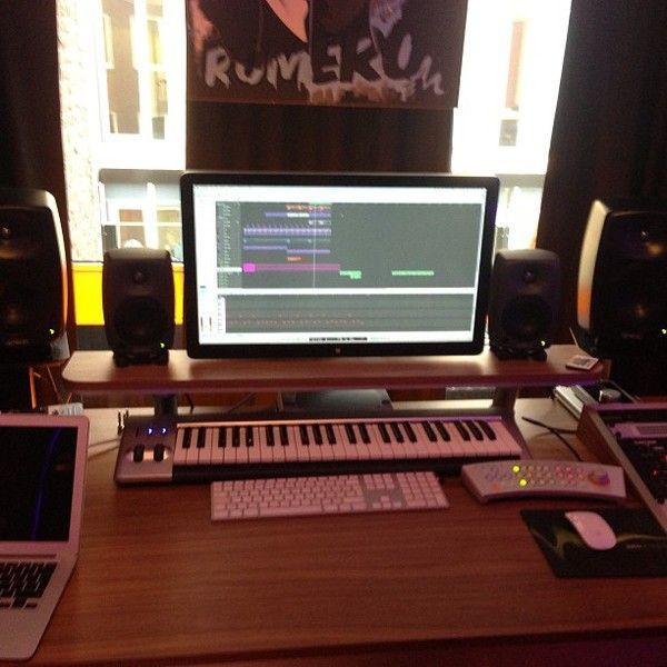 Nicky Romero using M-Audio Keystation 49es MIDI Controller