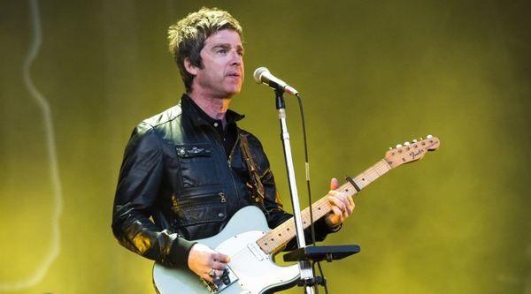 Noel Gallagher using Fender Telecaster
