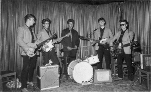 "Paul McCartney using ""Elpico AC55 """"Little Green Amp"""""""