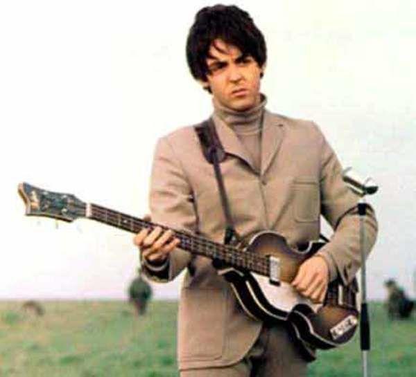 Paul McCartney using Höfner 500/1 Bass