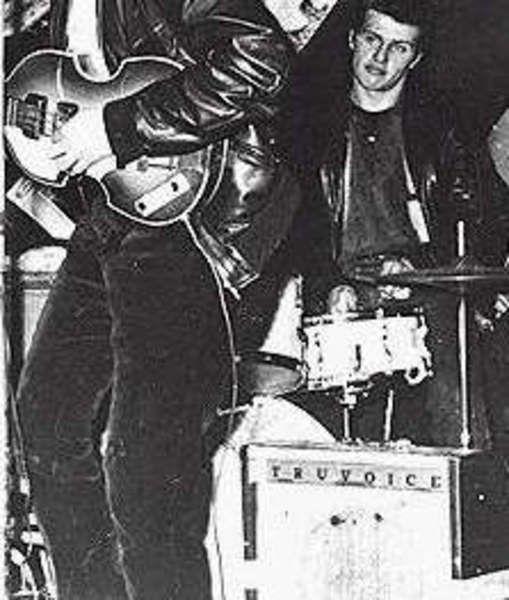 Paul McCartney using Selmer Truvoice Stadium