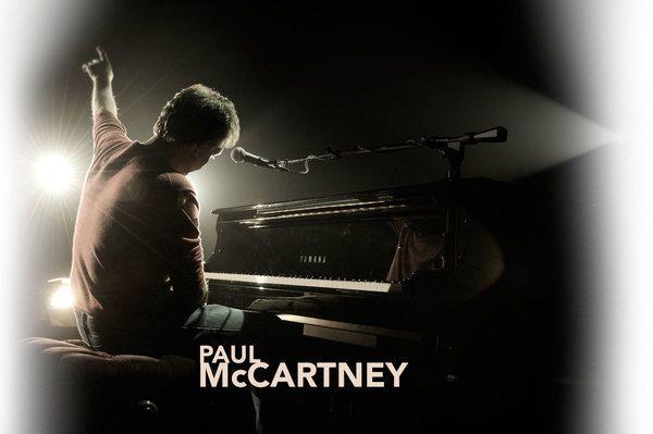 "Paul McCartney using ""Yamaha DC6A 6'11"""" Disklavier Mark III Series Full-Function Conservatory Grand Piano"""