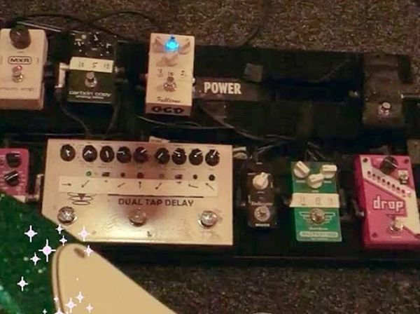 Sjors van Reeuwijk using Voodoo Lab Pedal Power 2 PLUS 8-output Isolated Guitar Pedal Power Supply