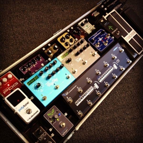 Steven Wilson using Electro-Harmonix Micro POG