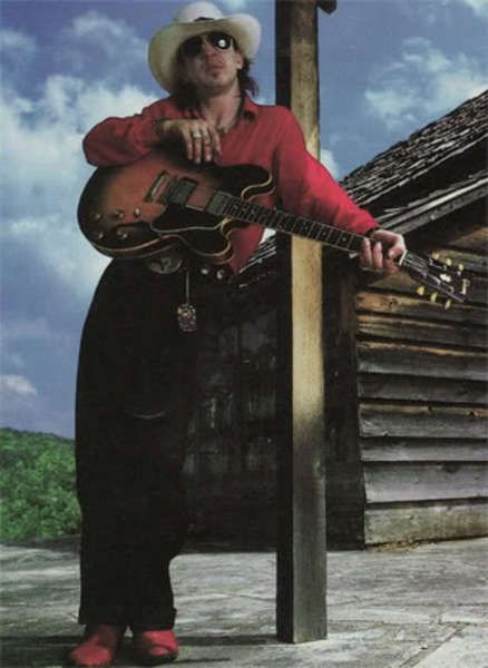 Stevie Ray Vaughan using Gibson ES-335 Electric Guitar