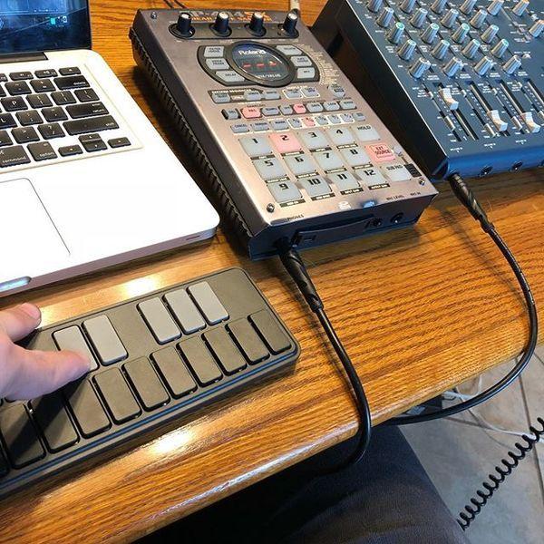 Thom Wasluck using Roland SP-404SX