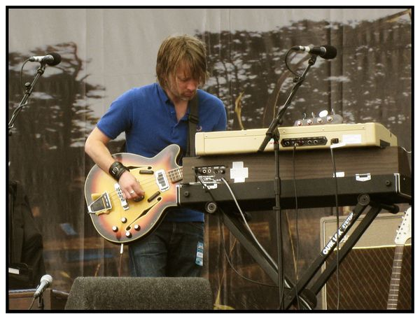 Thom Yorke using Fender Coronado II Bass Guitar