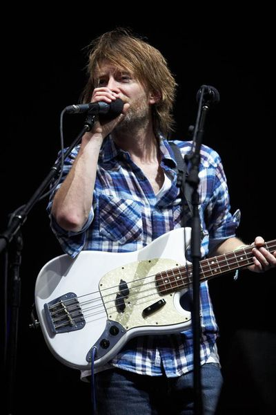 Thom Yorke using Fender Mustang Bass