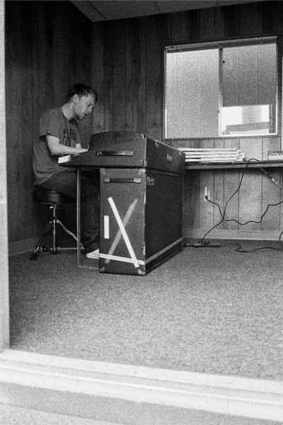 Thom Yorke using Rhodes Suitcase 73