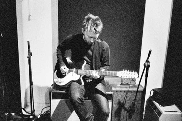Thom Yorke using Vintage Selmer Professional TV12A Amplifier