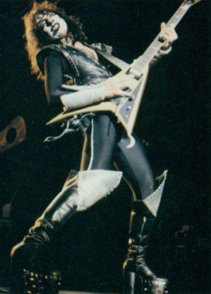 Vinnie Vincent using Jackson RR1  (Duplicate)